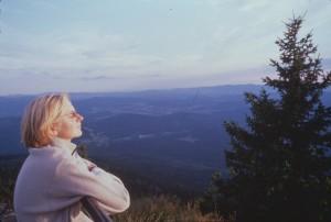 Wanderin mit Gipfelblick